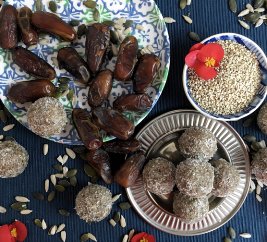 Energy Ball with Sesame, Dates & Almonds